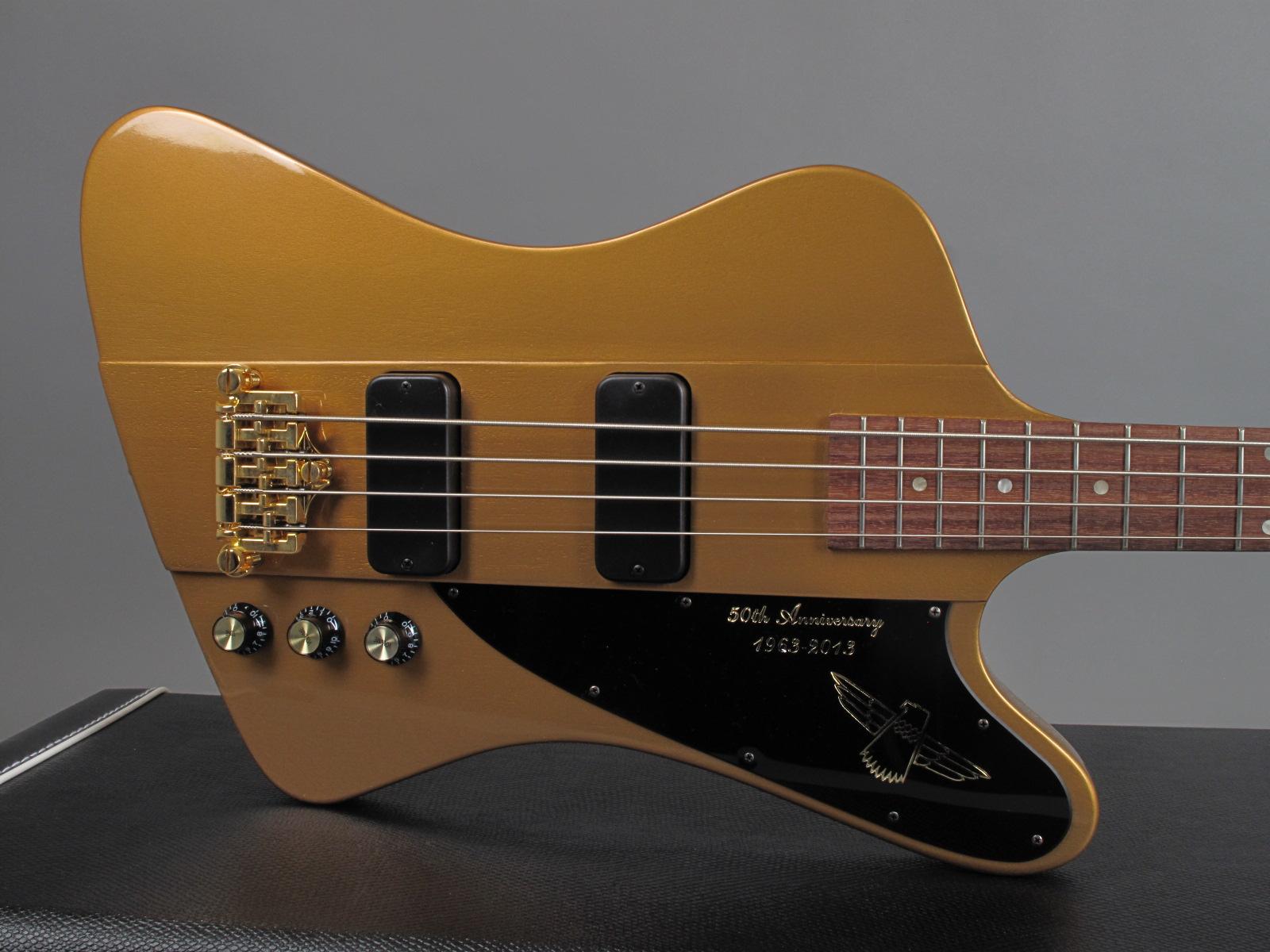 https://guitarpoint.de/app/uploads/products/2013-gibson-thunderbird-50th-anniversary-bullion-gold/2013-Gibson-Thunderbird-50thAnn-Gold-9.jpg