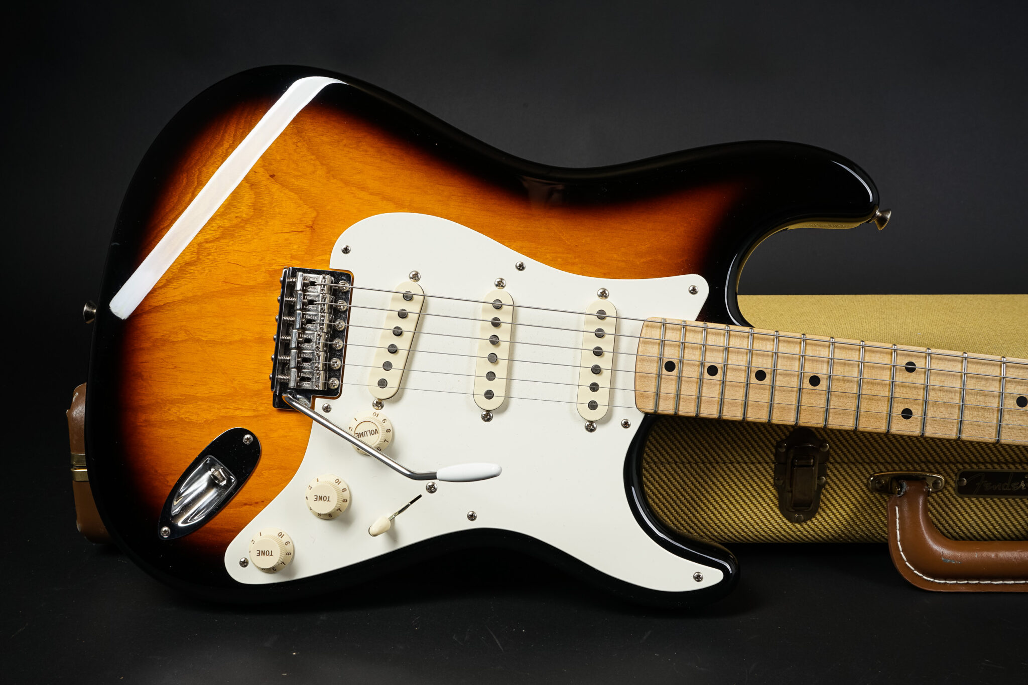 https://guitarpoint.de/app/uploads/products/2014-fender-john-cruz-masterbuilt-master-vintage-player-56-stratocaster-nos/Fender-John-Cruz-Masterbuilt-Master-Vintage-Player-56-Stratocaster-NOS-JC2596-10-2048x1366.jpg