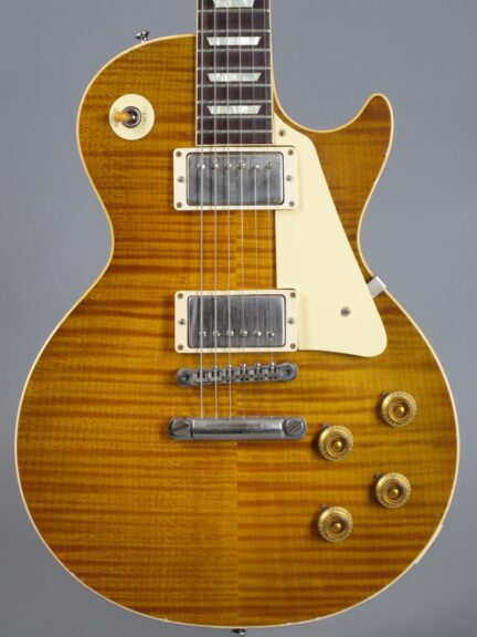 https://guitarpoint.de/app/uploads/products/2016-gibson-les-paul-1959-true-historic-murphy-aged/2016-Gibson-Les-Paul-1959-Murphy-Aged-96431_2-432x576.jpg