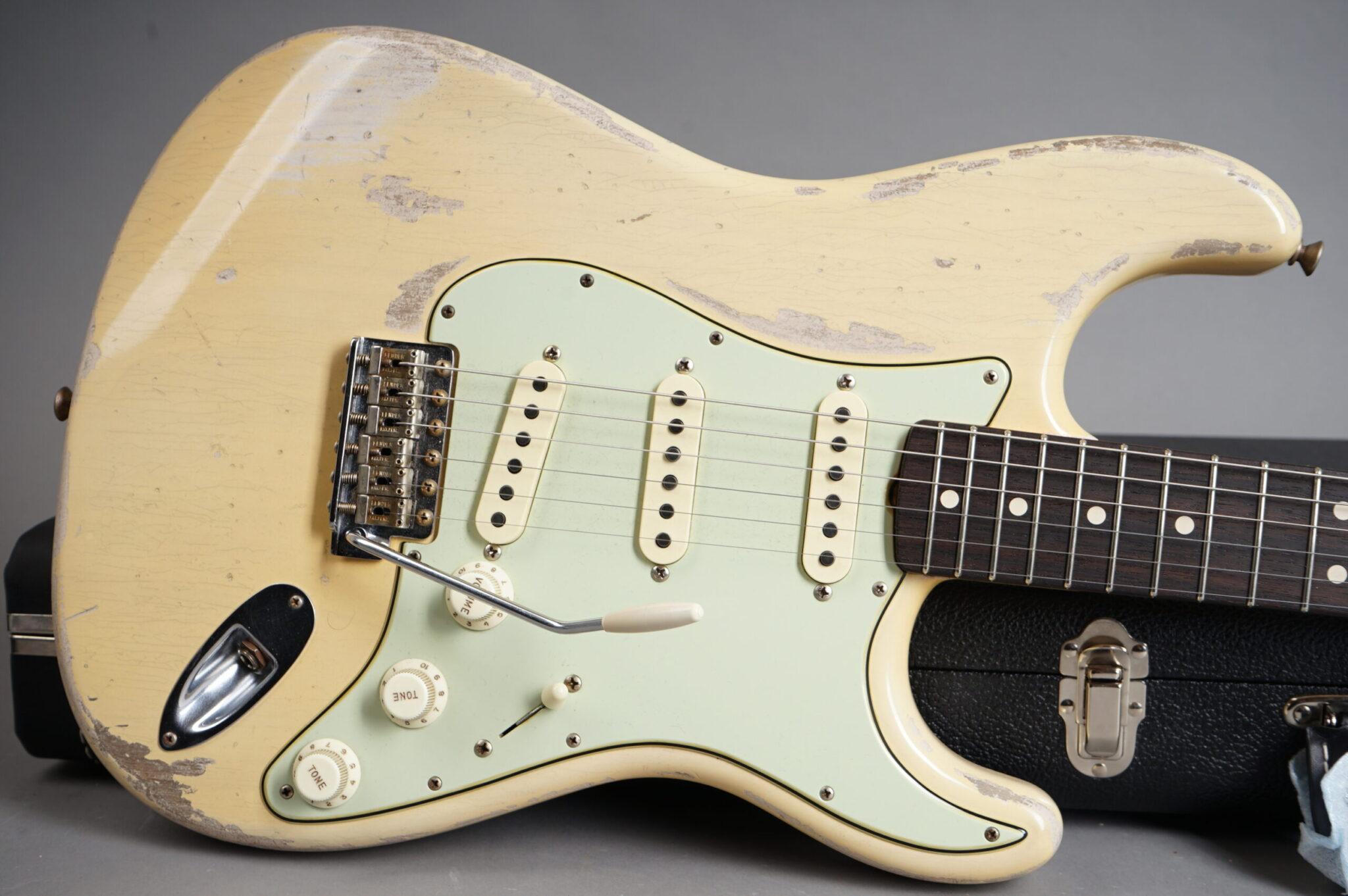 https://guitarpoint.de/app/uploads/products/2020-fender-custom-shop-todd-krause-masterbuilt-1963-stratocaster-heavy-relic-nocaster-blonde/1963-Fender-Todd-Krause-Masterbuilt-1963-Stratocaster-NBL-R102156-9-scaled-2048x1362.jpg