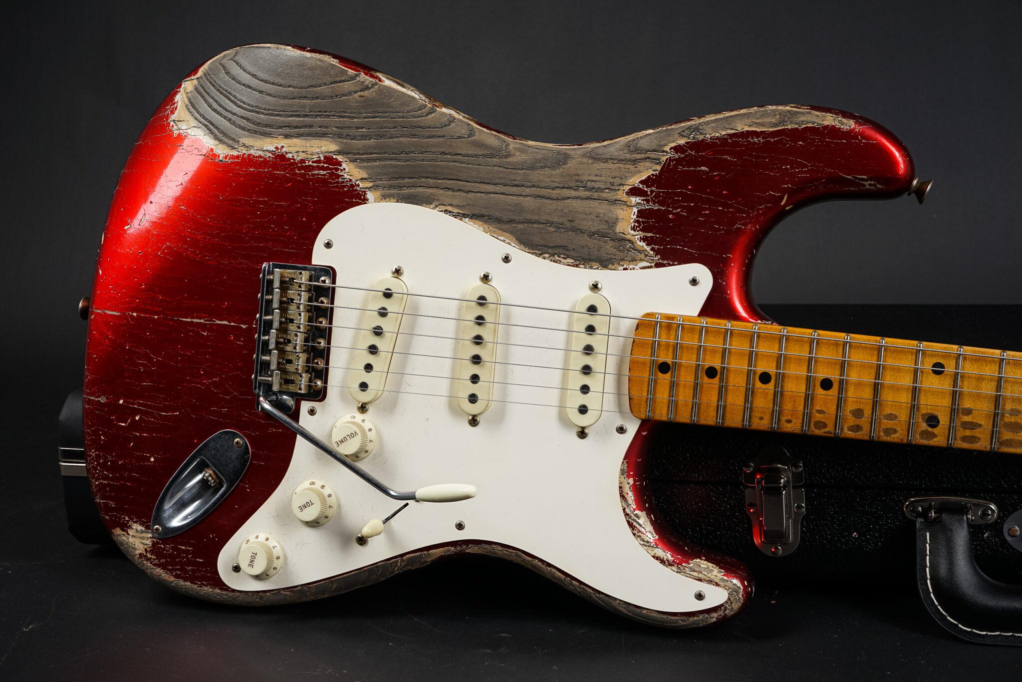 https://guitarpoint.de/app/uploads/products/2020-fender-greg-fessler-masterbuilt-1957-stratocaster-aged-candy-apple-red-heavy-relic/2020-Fender-MBGF-56Stratocaster-WildwoodR105156-8-2048x1366.jpg