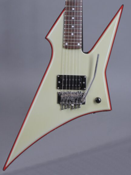 https://guitarpoint.de/app/uploads/products/80s-esp-flying-z-mick-jones-foreigner-guitar/1980s-ESP-Prototyp-2-432x576.jpg