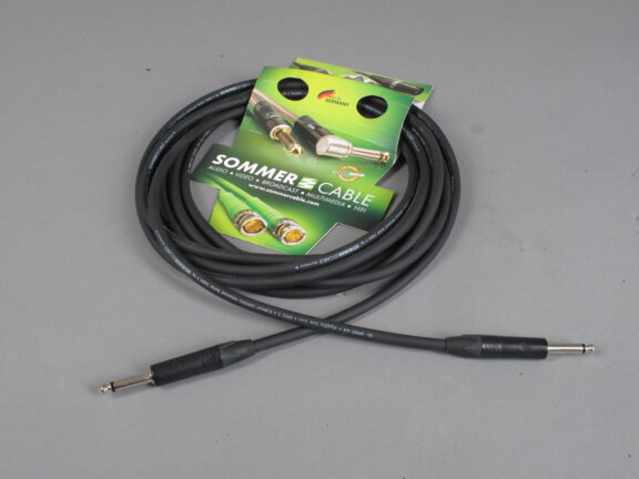 https://guitarpoint.de/app/uploads/products/sommer-cable-gitarrenkabel-spirit-llx-low-loss-6m/Sommer-LX37-0600-SW-576x432.jpg