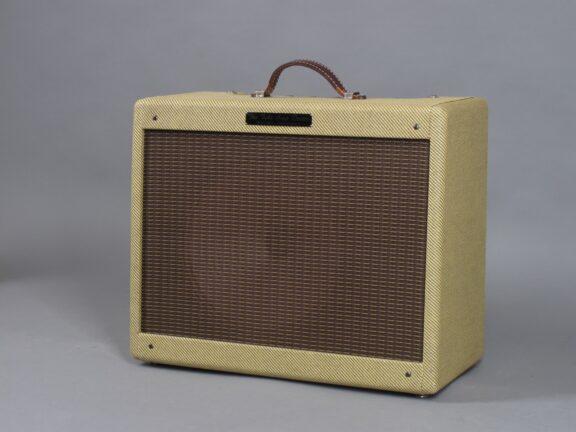 https://guitarpoint.de/app/uploads/products/tad-tweed-combo/2010-Tube-Amp-Doctor-Tweed-Deluxe-2-576x432.jpg