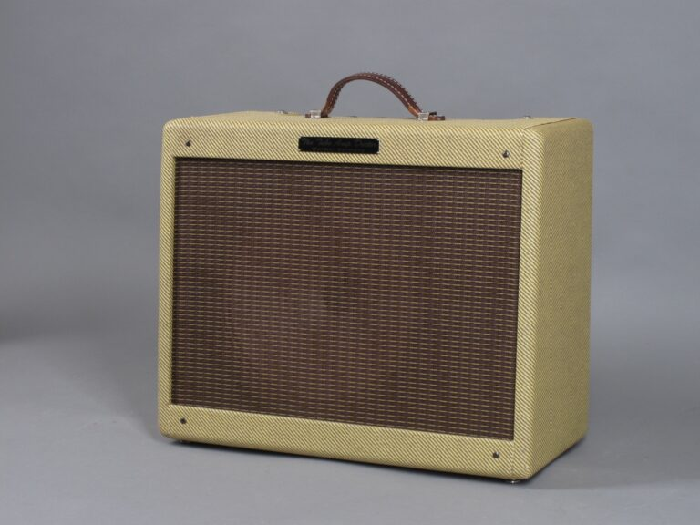 https://guitarpoint.de/app/uploads/products/tad-tweed-combo/2010-Tube-Amp-Doctor-Tweed-Deluxe-2-768x576.jpg