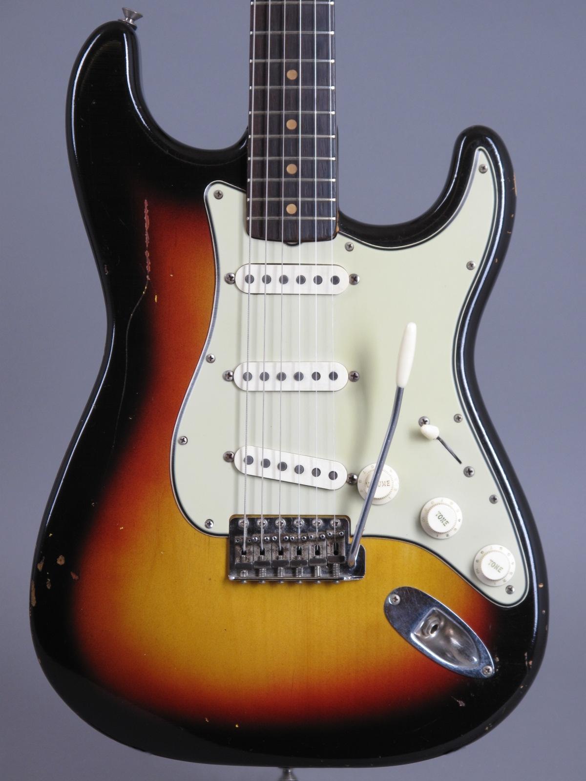 1964 Fender Stratocaster - 3-tone Sunburst