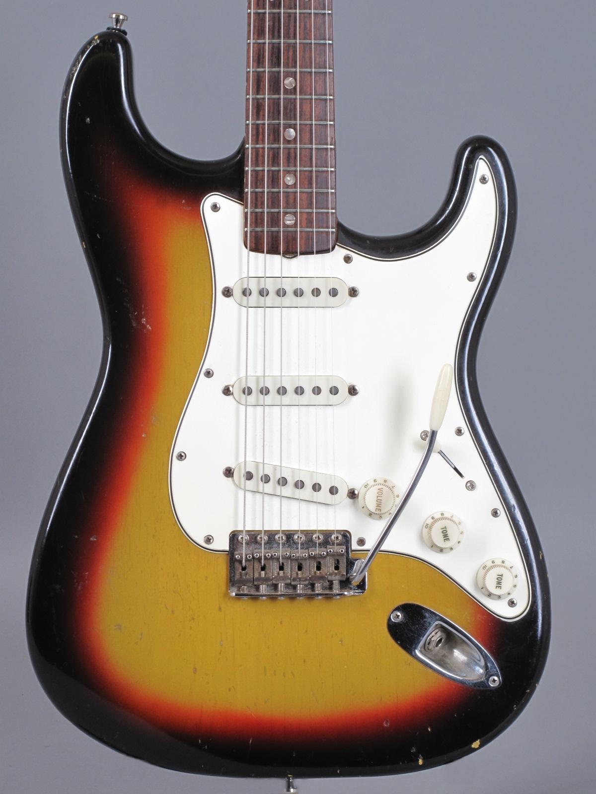 1966 Fender Stratocaster - 3-tone Sunburst