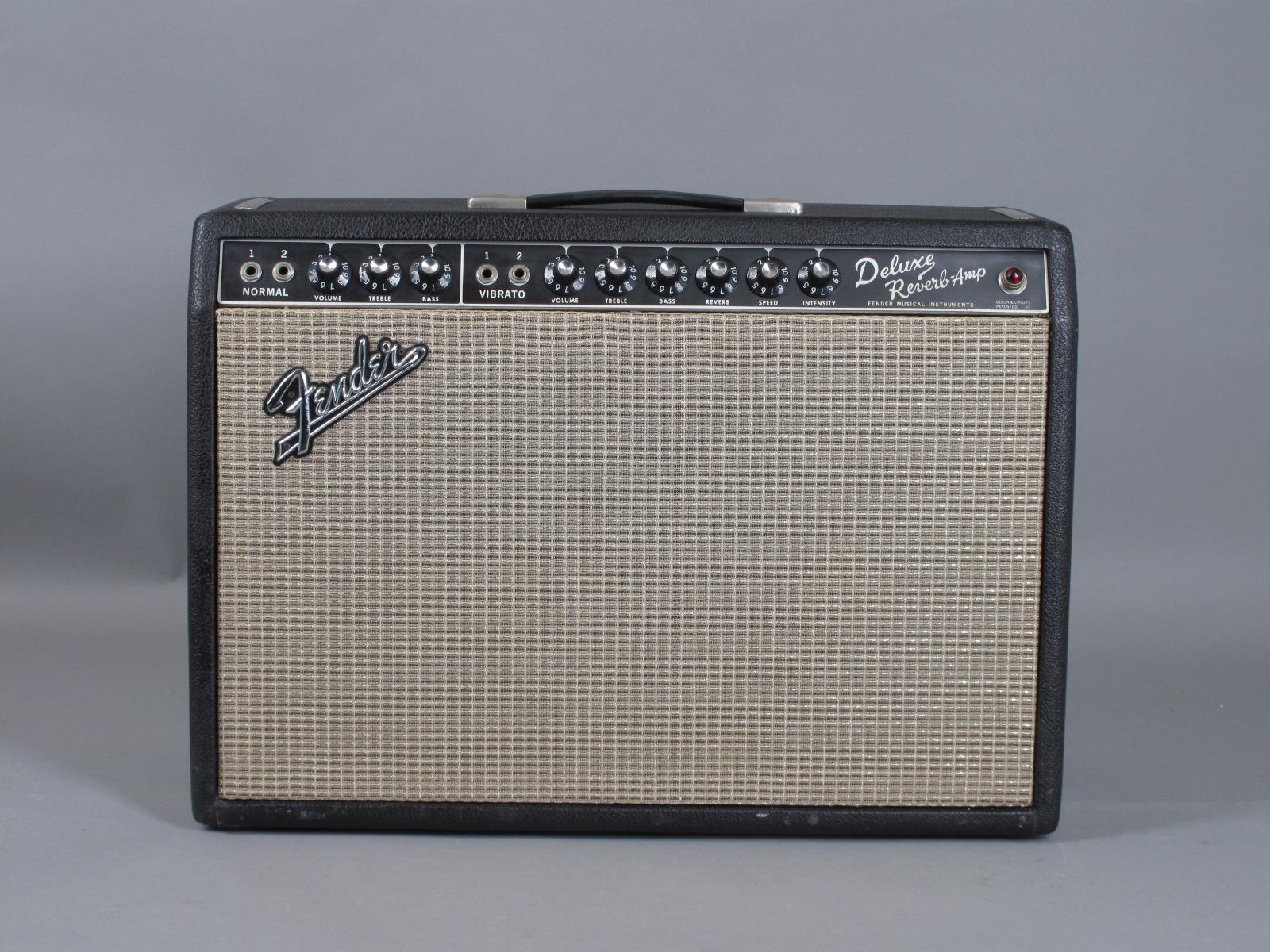1967 Fender Deluxe Reverb Amp - Blackface - Clean