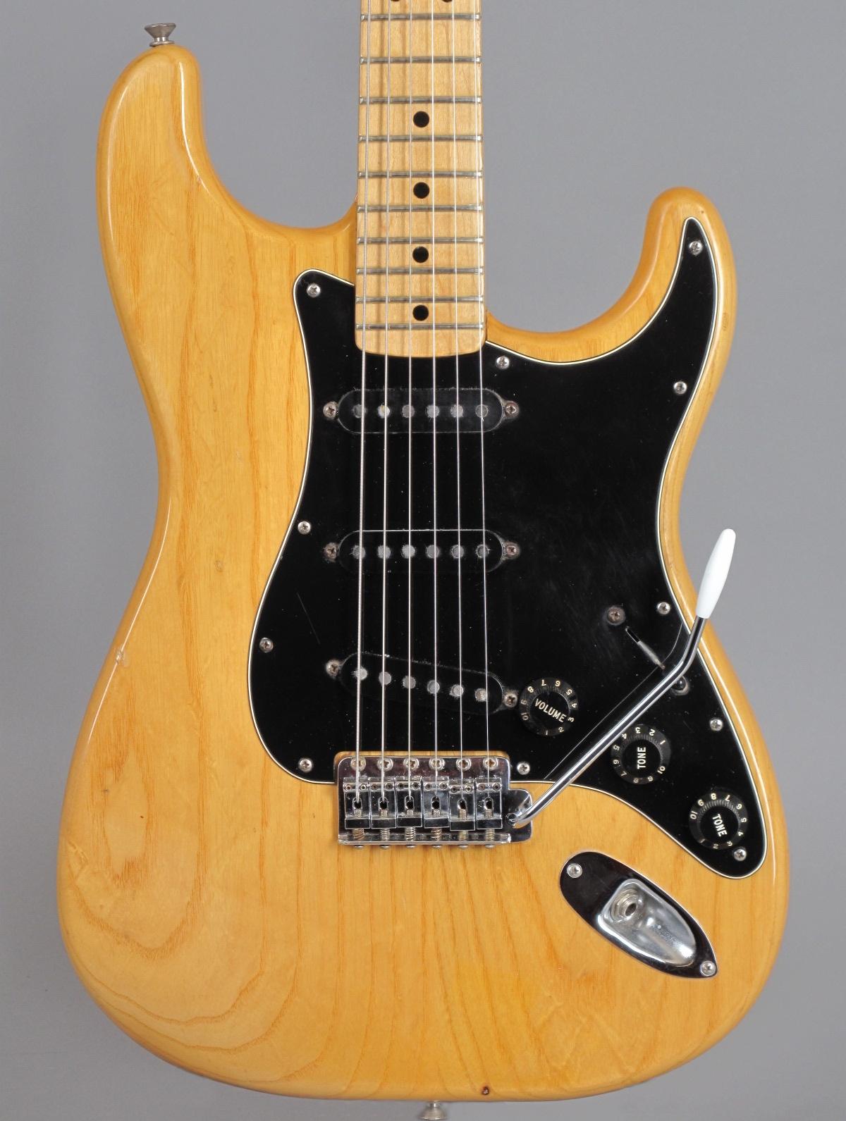 1977 Fender Stratocaster - Natural