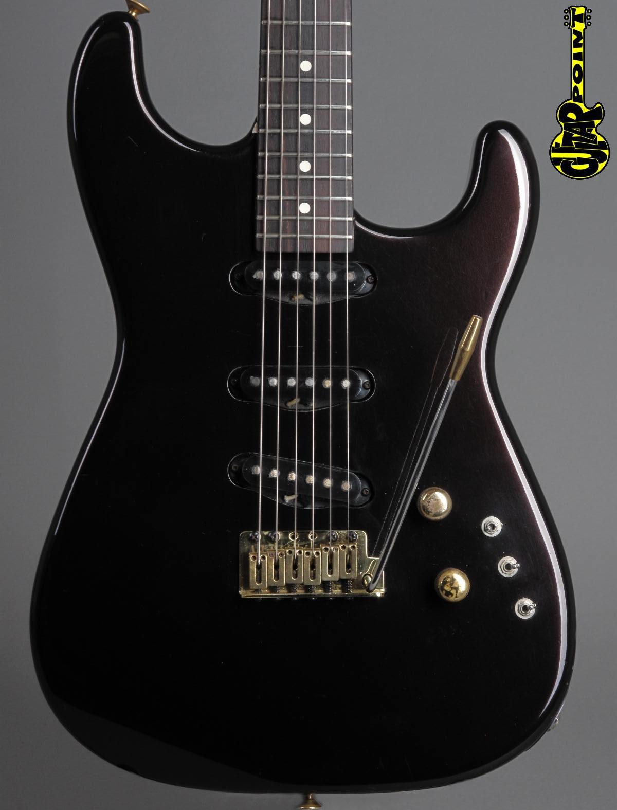 1983 Charvel San Dimas Strat - Burgundy Metallic