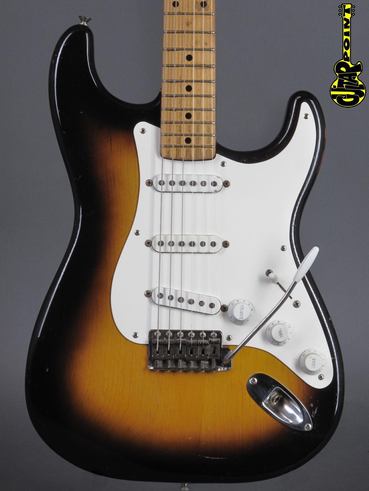 1956 Fender Stratocaster / 2-tone Sunburst