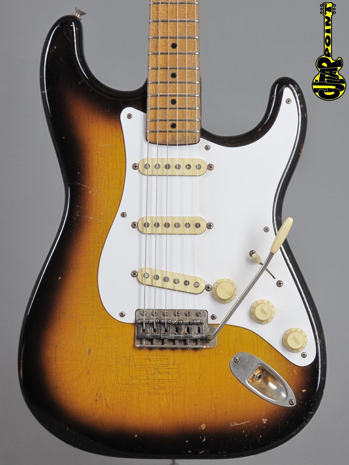 1957 Fender Stratocaster - 2-tone Sunburst / gold hardware