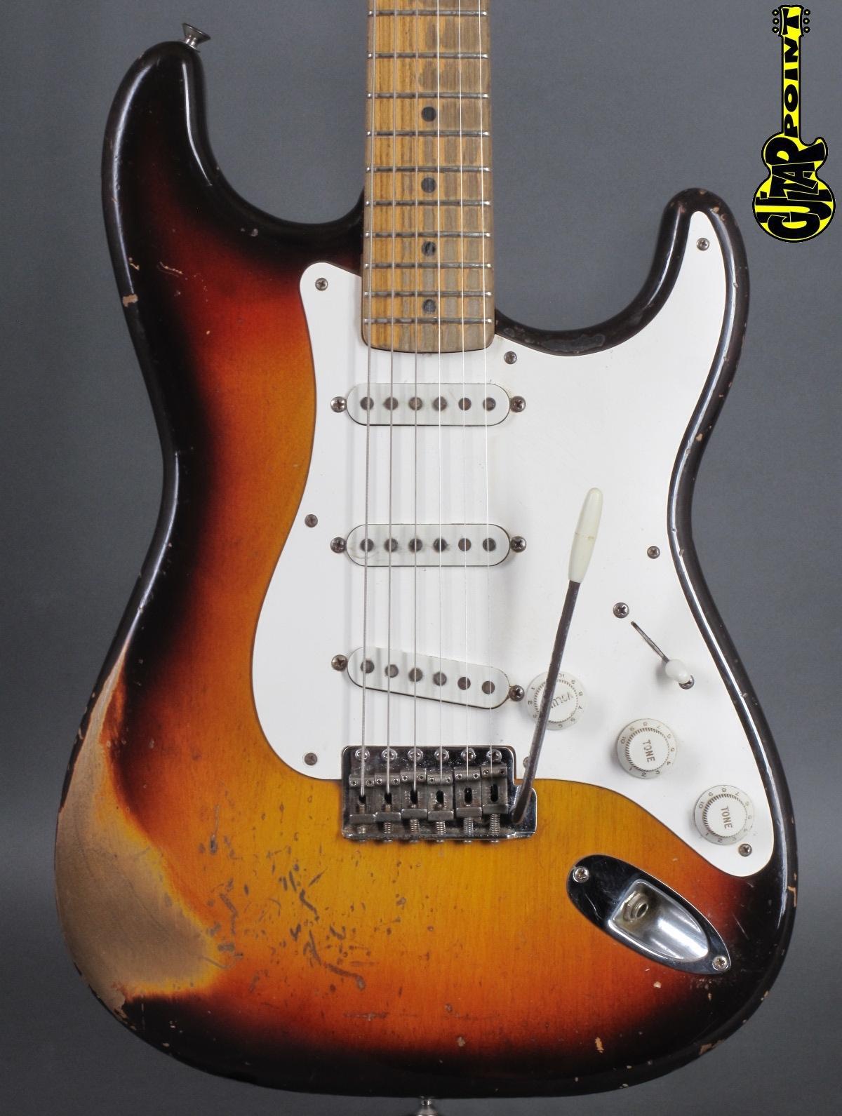 1959 Fender Stratocaster - 3-tone Sunburst / Maple-neck