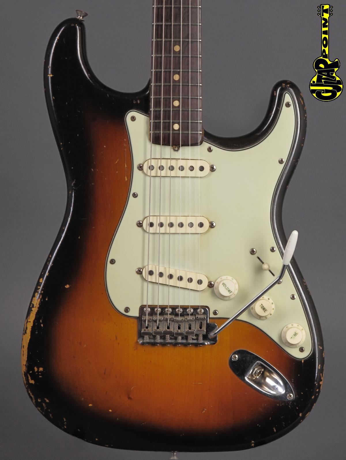 1960 Fender Stratocaster - 3-tone Sunburst