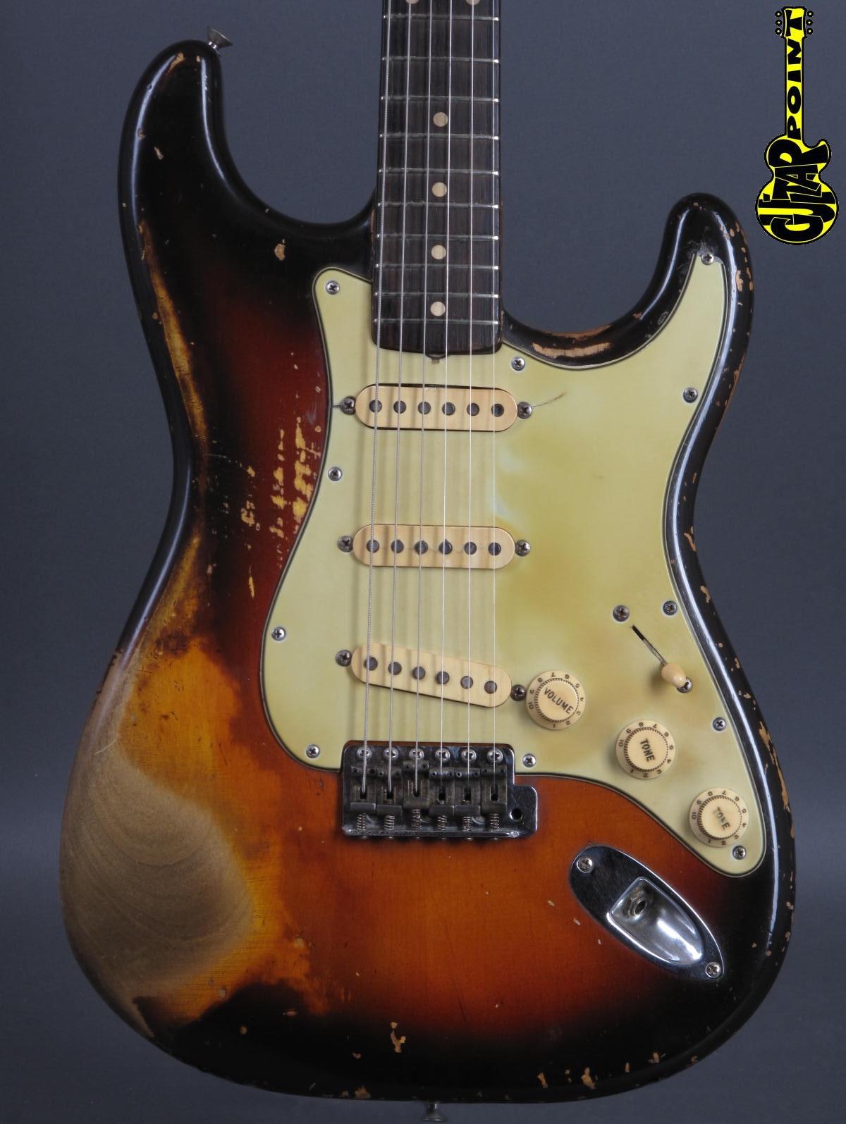 1961 Fender Stratocaster / 3-tone Sunburst  ...lightweight !