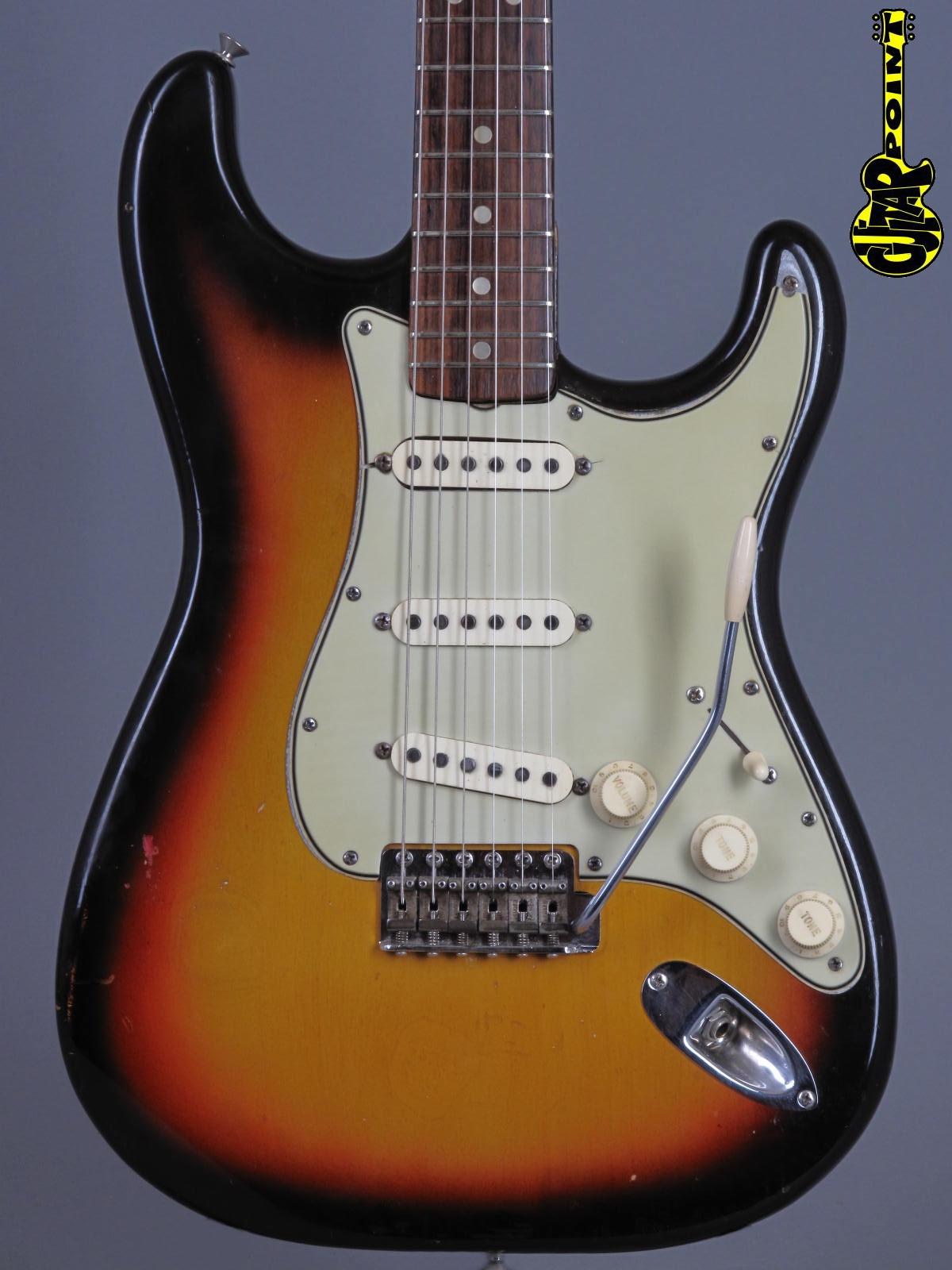 1965 Fender Stratocaster - 3t-Sunburst  ...early green-guard!
