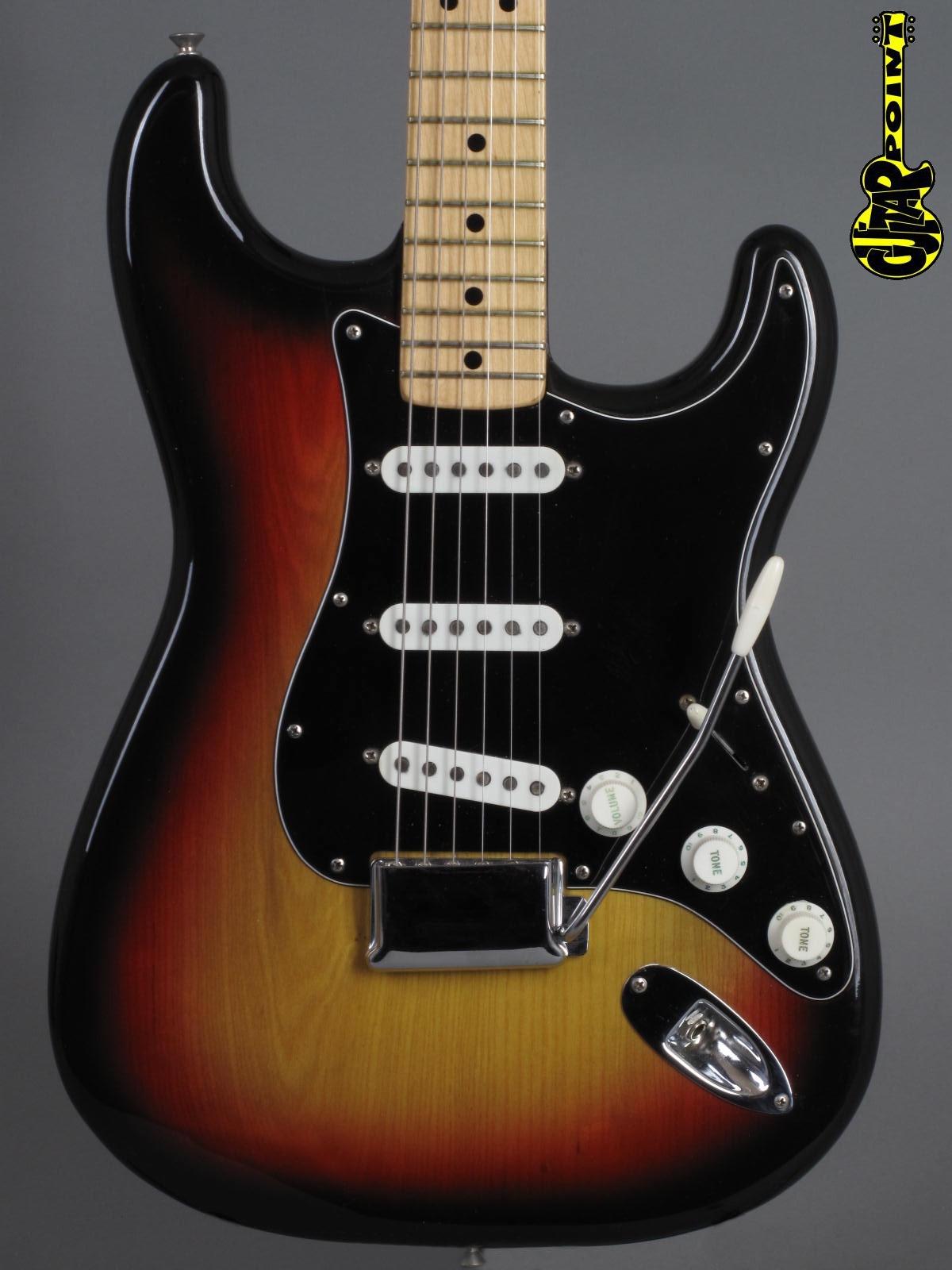 1976 Fender Stratocaster - 3-tone Sunburst ...clean !!!