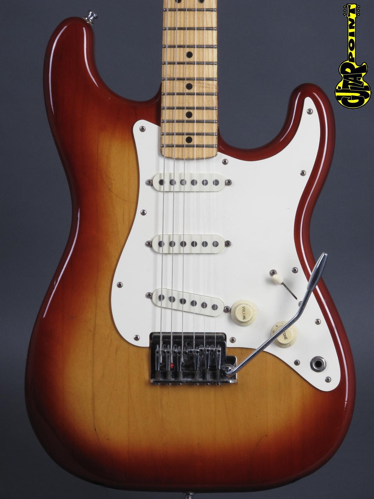 1983 Fender Stratocaster - Sienna Burst